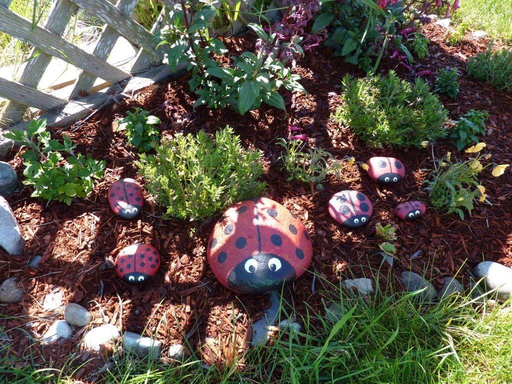 painted lady bug rocks