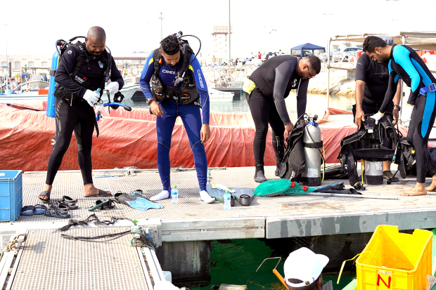 bahrain diving volunteer team