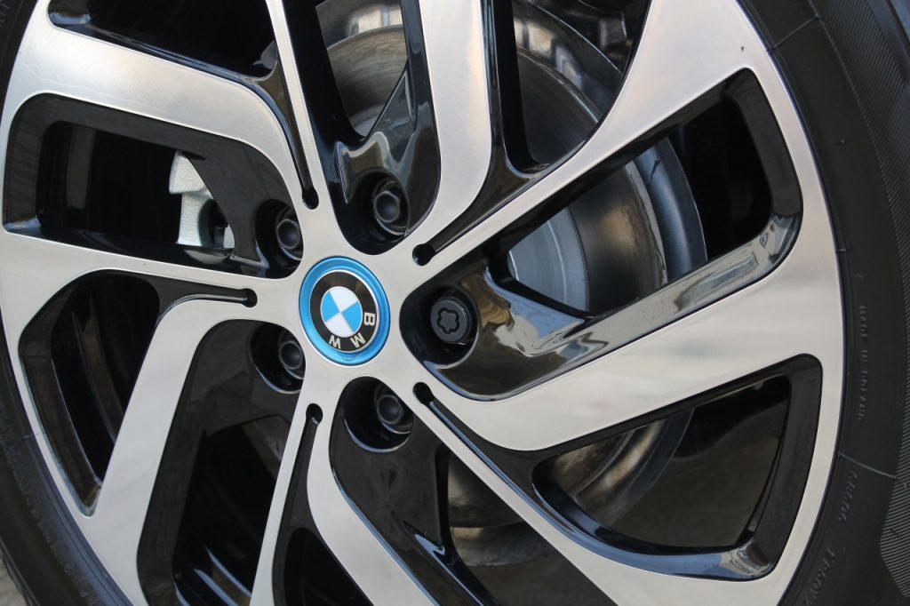 Low-Resistance-Tyres-Car-Fuel-Efficiency