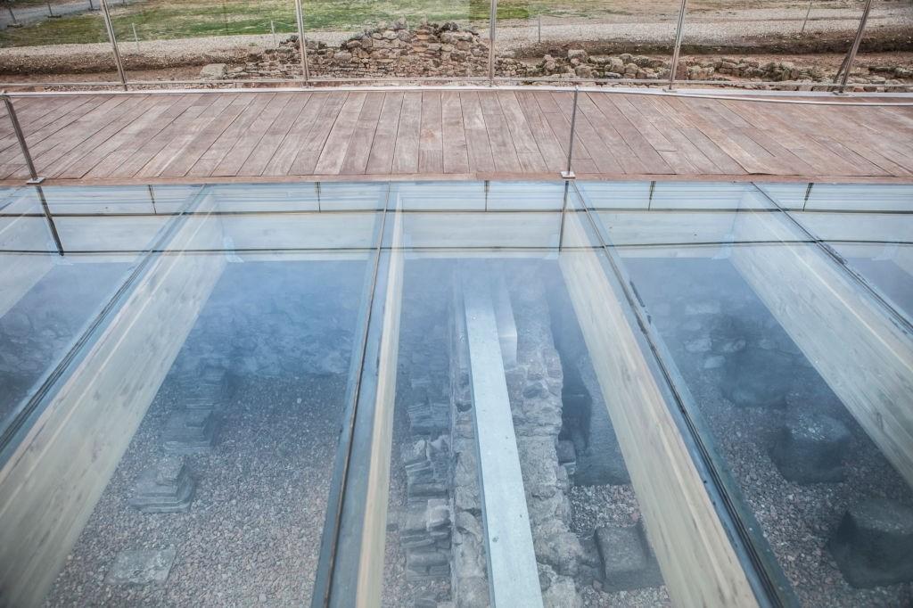 laminated glass flooring